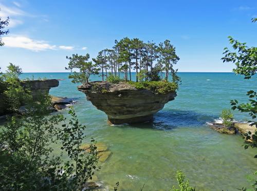 D-18-102 - Turnip Rock. Pte. Aux Barques. Port Austin, MI.